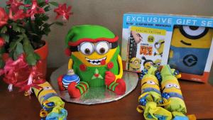 MinionMania Cake To Celebrate #DespicableMe3 and #DM3family #ad