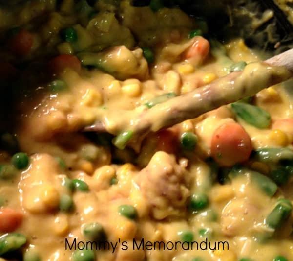 EASY Home-Made Chicken Pot Pie #Recipe mix of veggies