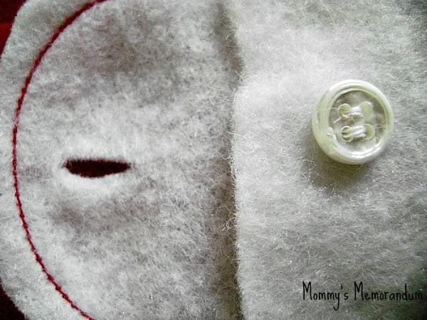 Easy #DIY Ghiradelli Advent adding button hole