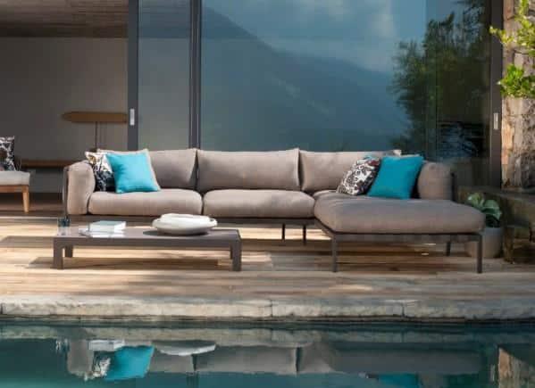 Integrated Indoor-Outdoor Living  flow