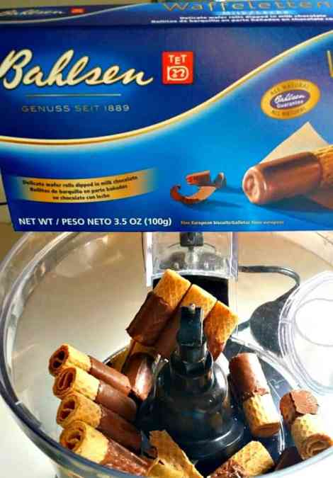 Place Bahlsen Cookies-in-Food-Processor