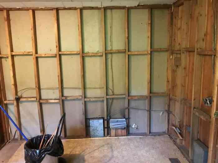 dad's house kitchen demoliton dining area