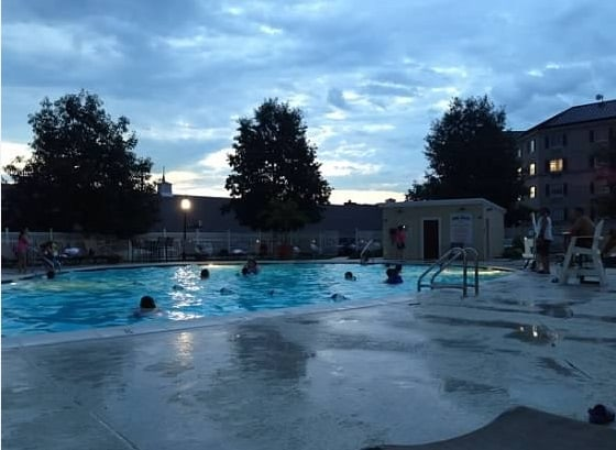 hershey lodge pool