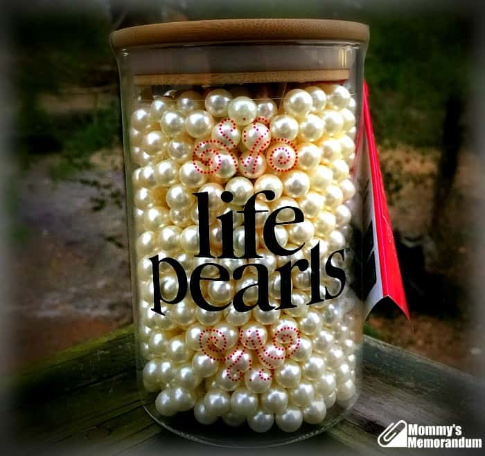 Very unique pearls! NEW Ivory pearl buttons with gold leave hanging