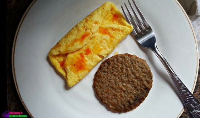 personal trainer food omelette with maple sausage