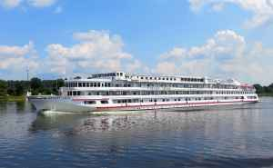 travel through russia via cruise ships and riverboats