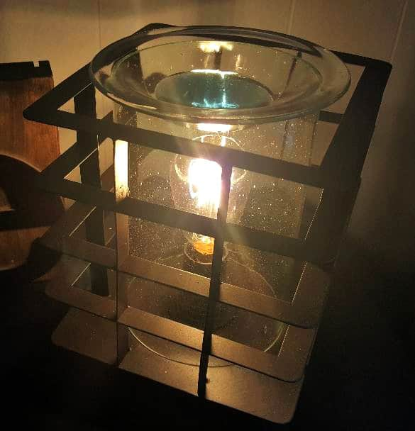 scentsy mid-century warmer with light on