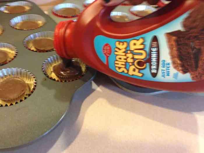 slutty brownies adding batter