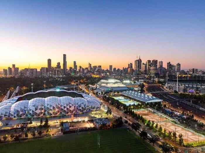 visit melbourne this summer