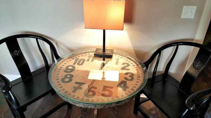 windsor boutique hotel clock table in room 204