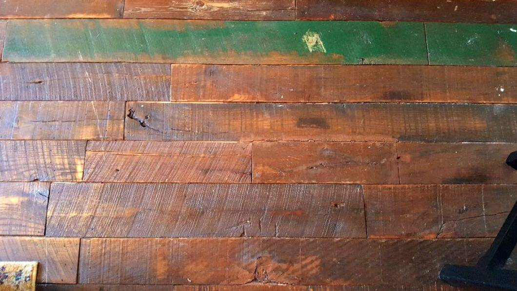 windsor boutique hotel old barn wood