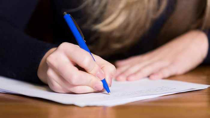 write casual essay