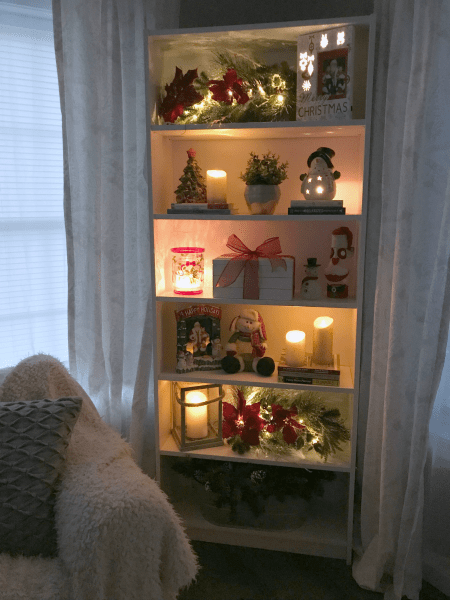 Merry and bright Christmas lights home tour by 15 different home bloggers. Come take the tour and you'll find a ton of inspiration for your own home.
