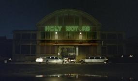 Holy_Motors_13