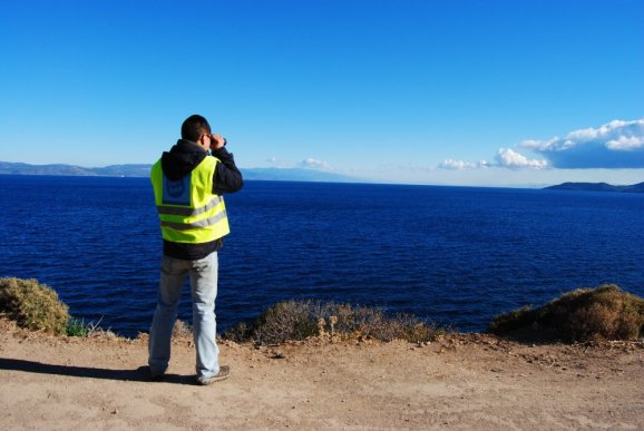 Andrew Frania volunteering in Lesvos {Mom of Many}