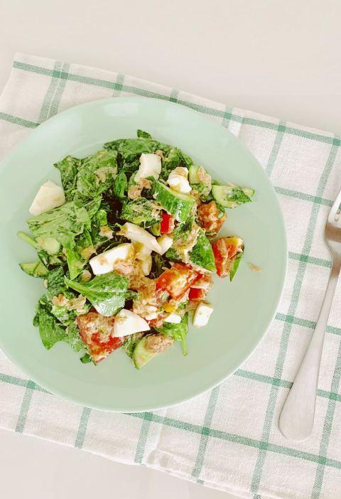 salad with tuna and egg