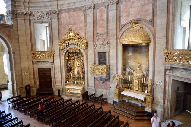 ポルトの象徴クレリゴス教会への道-3