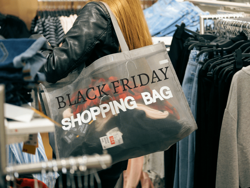 Black Friday is coming! Deze sportieve shops MOET je checken!