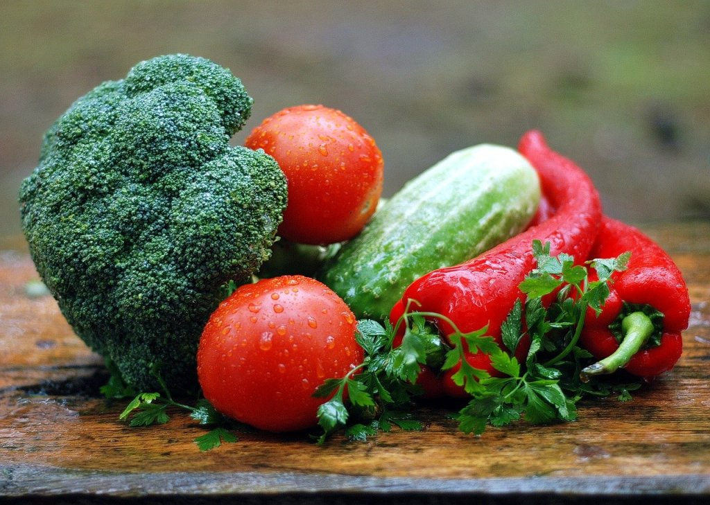 vegetables, water droplets, fresh green for Thyroid