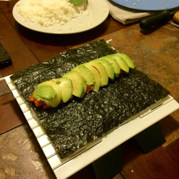spicy tuna roll with sushi quik - how to make sushi