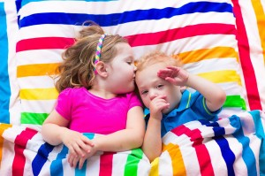 Tips for decorating a shared kids' bedroom