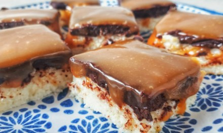 Keto No-Bake Coconut Bars