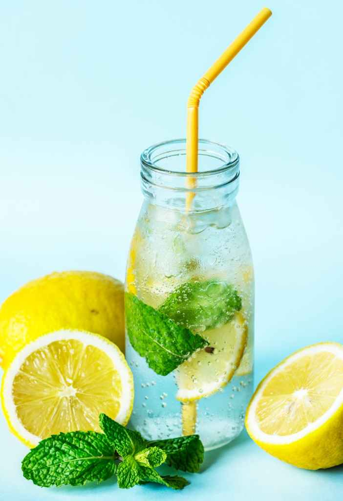 So if you feel guilty of overeating during the holidayshere you can find 5 delicious and easy to make detox drinks to get rid of the pounds won during the holidays!