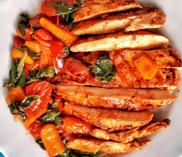 This is the BEST grilled chicken breast recipe. Easy and quick to make!! It's Weight Watchers friendly with only 6 smart points per serving!
