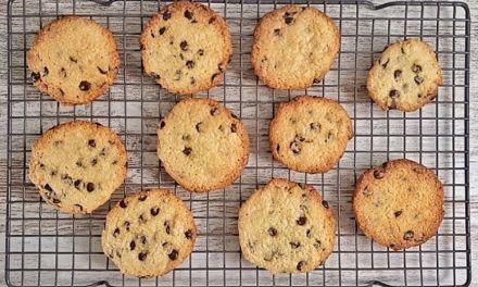 Best Keto Chocolate Chip Cookies