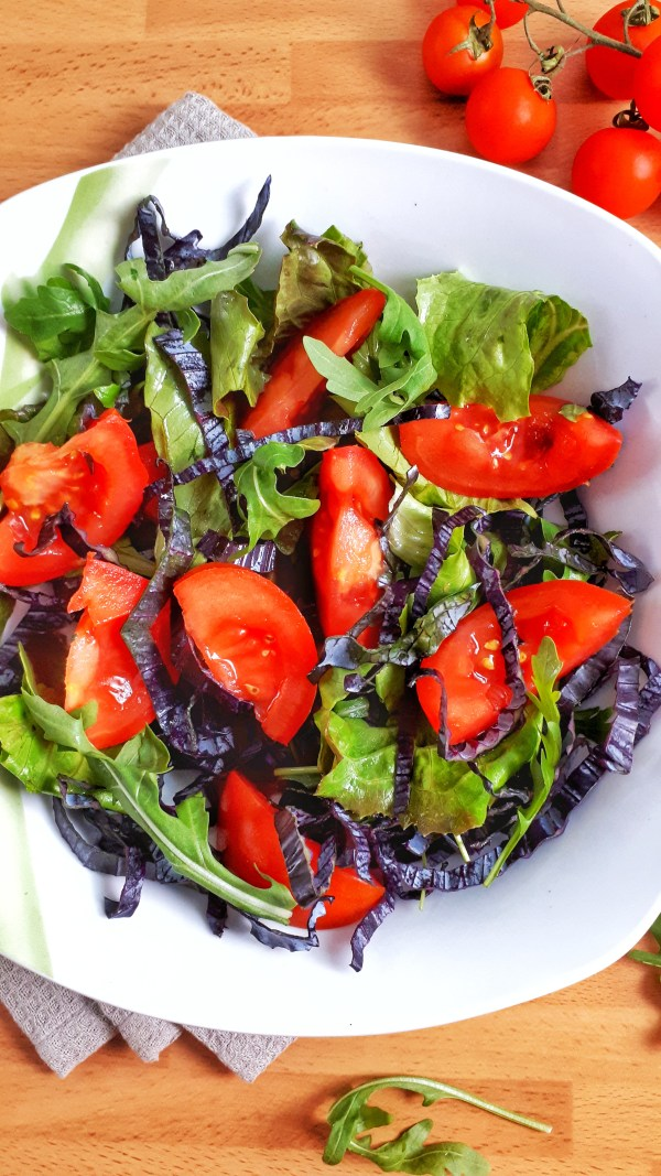 This is my everyday salad recipe - perfect for serving as a side or main dish. And it's keto, paleo, vegan and whole30. Simple and easy! #salad #ketorecipes