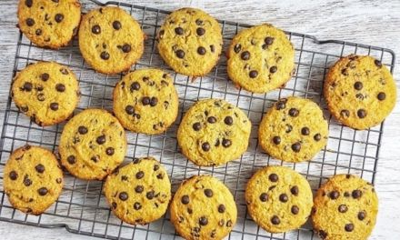 Keto Pumpkin Chocolate Chip Cookies