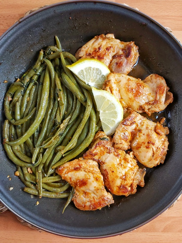 Lemon Garlic Butter Chicken and Green Beans Skillet is perfect for quick dinner. In less than 30 minutesthis  keto-friendly dinner can be on your table!