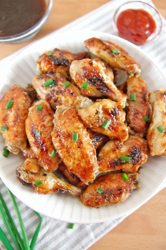 These easy low carb teriyaki chicken wings are full of flavors with a homemade teriyaki sauce made in just 20 minutes for a perfect family dinner.