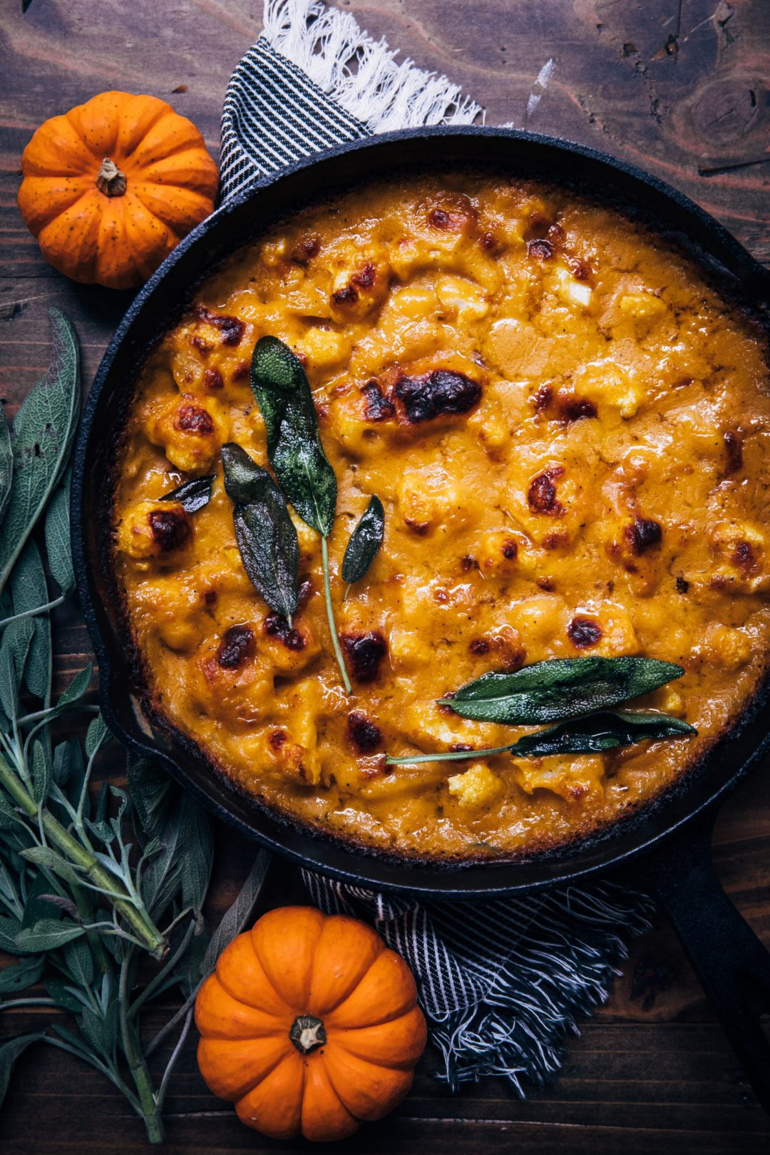 If you're a pumpkin lover just like me you're going to love these easy to make pumpkin recipes-everything from breakfast to dinner and dessert. #pumpkinrecipes