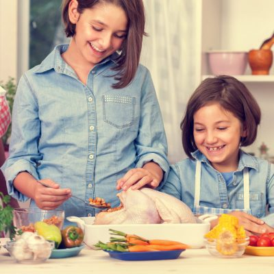 5 Ways to Have A Meaningful, Fun and Less Stressed Thanksgiving