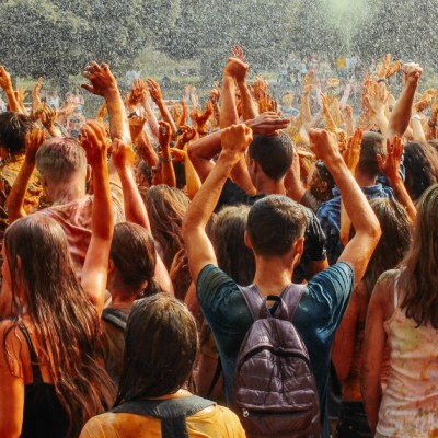 How This Overprotective Mom Allowed Her Daughter to Go to a Music Festival