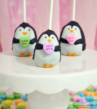 penguin-valentine-cake-pops-13