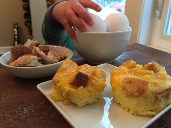 Egg and Toast Cups: a healthy breakfast for kids and adults @katieserbinski
