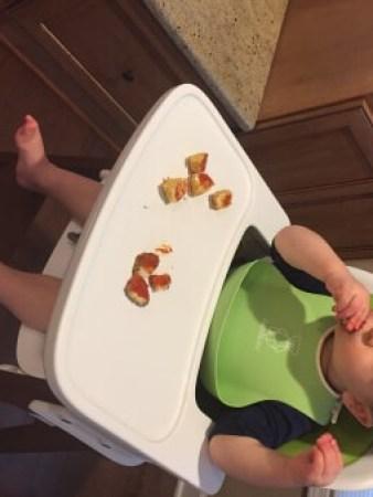 Three-Cheese Quinoa Bites #glutenfree #MomToMomNutrition @katieserbinski