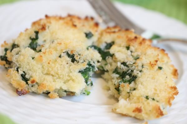 Make the most of leftover mashed potatoes by making baked mashed potato cakes. Mixed with fresh veggies and cheese, they are a unique way to get your kids to eat their greens!