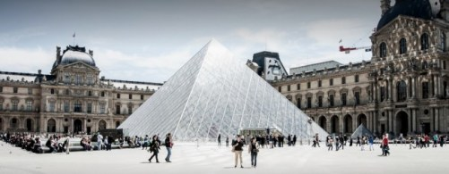 Musée louvre Paris pyramide