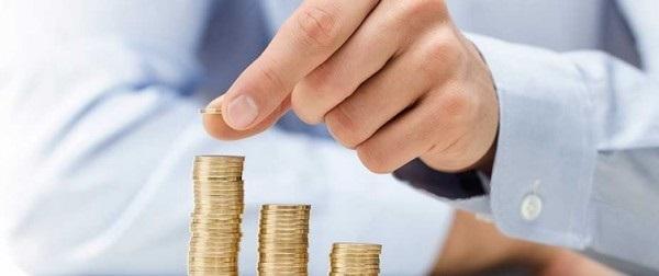 main argent pièces banque bts muc