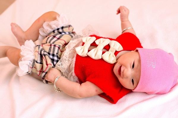 生後2~3ヶ月の赤ちゃんとの遊び方は?