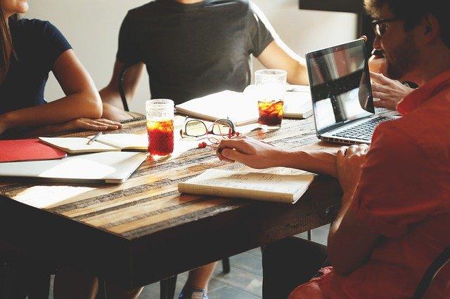 Vous gagnerez beaucoup à savoir organiser une réunion de travail intéressante