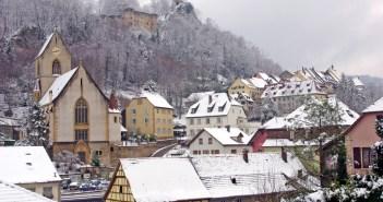 La neige est tombée sur le Sundgau : à Ferrette © French Moments