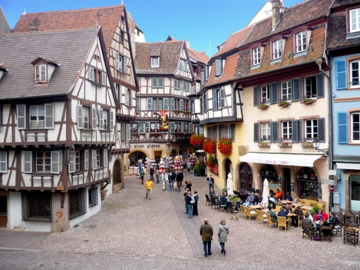 La rue des marchands à Colmar © French Moments