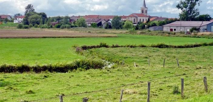 Village du Toulois en Lorraine © French Moments
