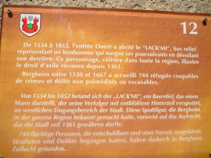 Plaque expliquant l'origine du Lack'mi de Bergheim