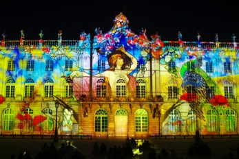 "Le spectacle estival ""Rendez-Vous place Stanislas"". Photo par French Moments"