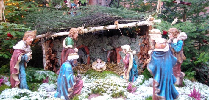 Une crèche de Noël à Kaysersberg © French Moments